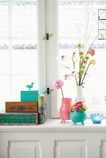 Colorful spaces and displays usually require less texture